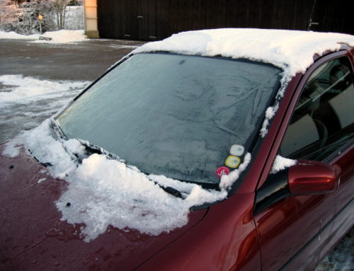 Safety Tips For Windshield Ice and Snow Removal